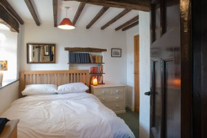 Self Catering - Bedroom with kingsize bed